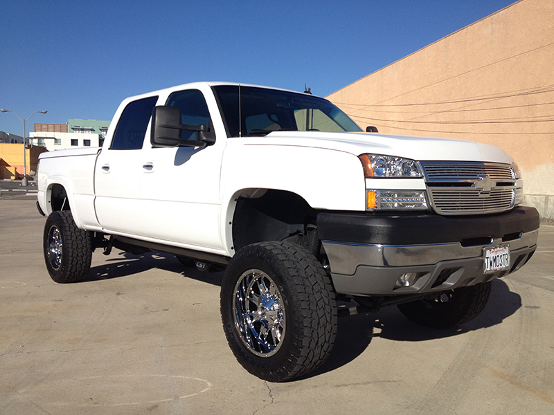 2005 6.6L Duramax LLY 2500HD Crew Cab, Short Bed 4WD (1)