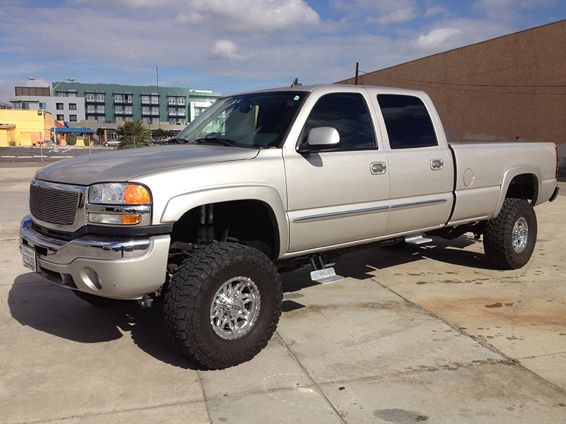 2006 6.6L Duramax 2500HD 4WD Crew Cab, Long Bed (1)