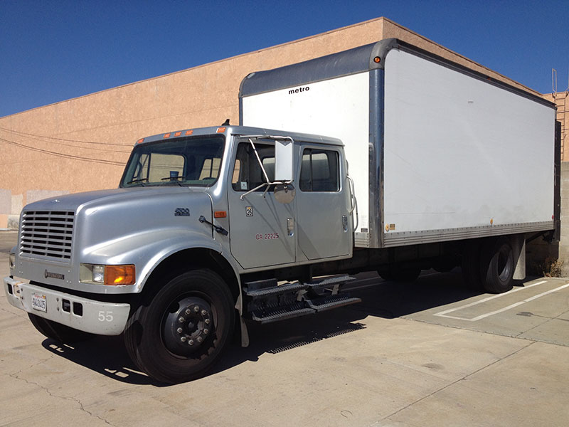 2002 International 4700 DT466E (1)