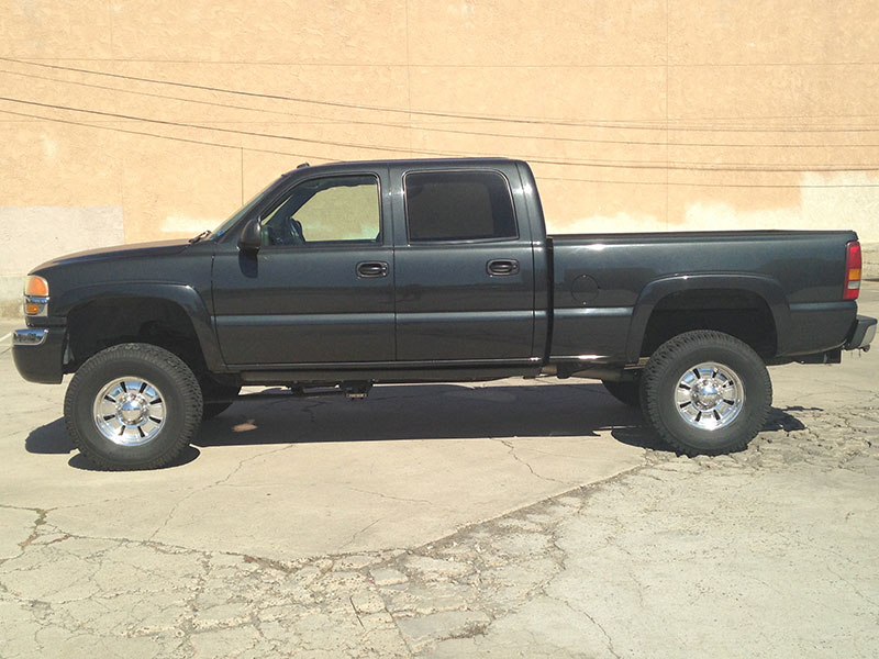 2003 GMC Sierra 2500HD Gas Crew Cab, Short Bed (1)