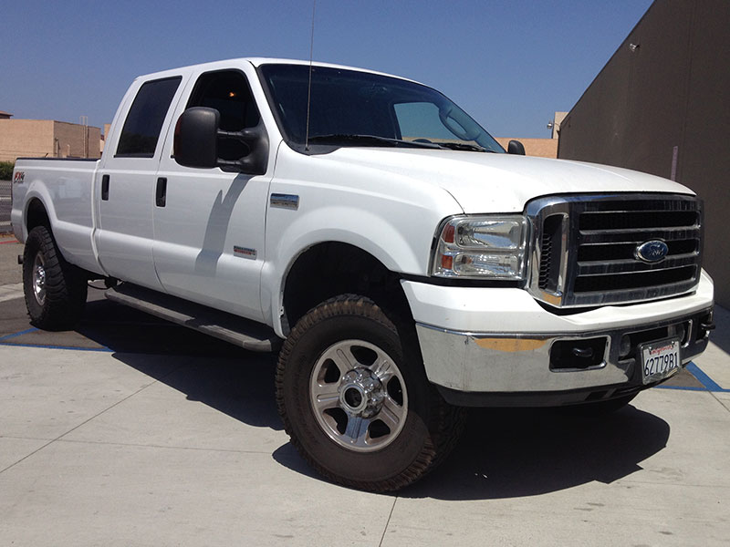 2005 6.0L Powerstroke Ford F350 Crew Cab, Short Bed 4WD (1)