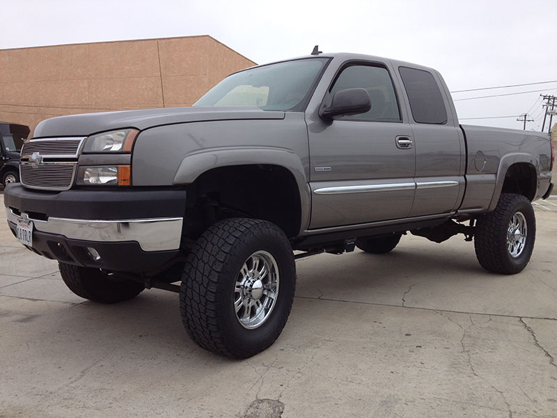 2006 6.6L Duramax Chevy 2500HD Crew Cab, Short Bed 4WD (1)